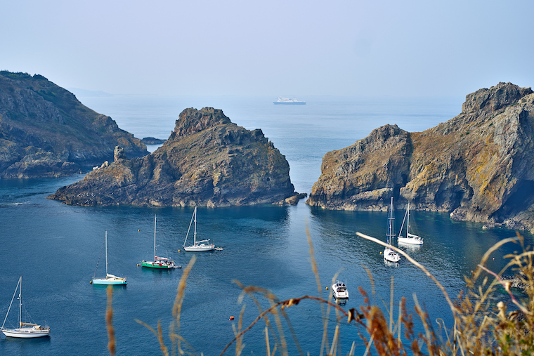 Channel Islands Offshore Banks Benefits